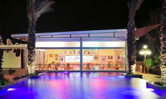Crescent Beach Hotel