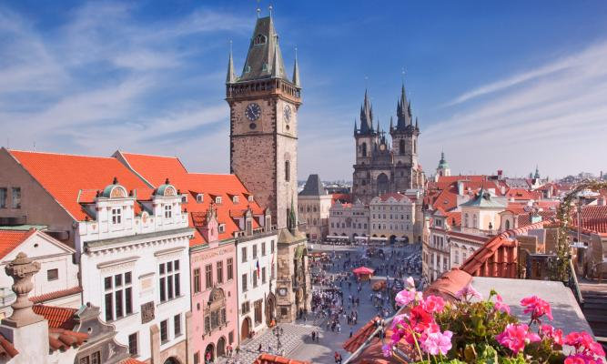 Sightseeing tour to Prague