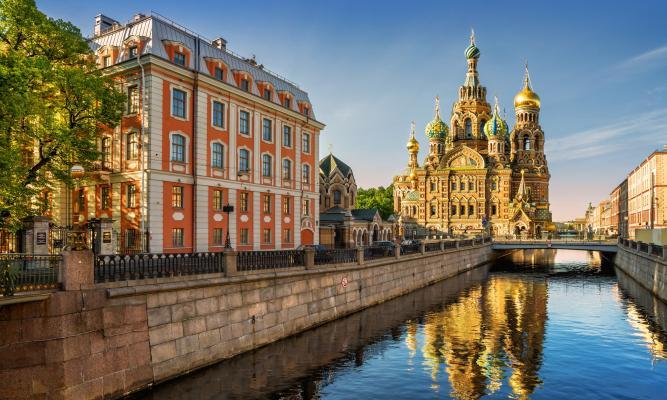 Sankt-Peterburq Turu