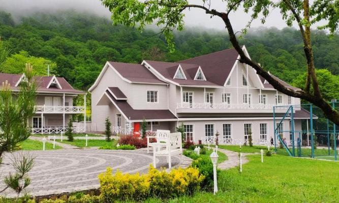 Macara Lake Park Guba Hotel